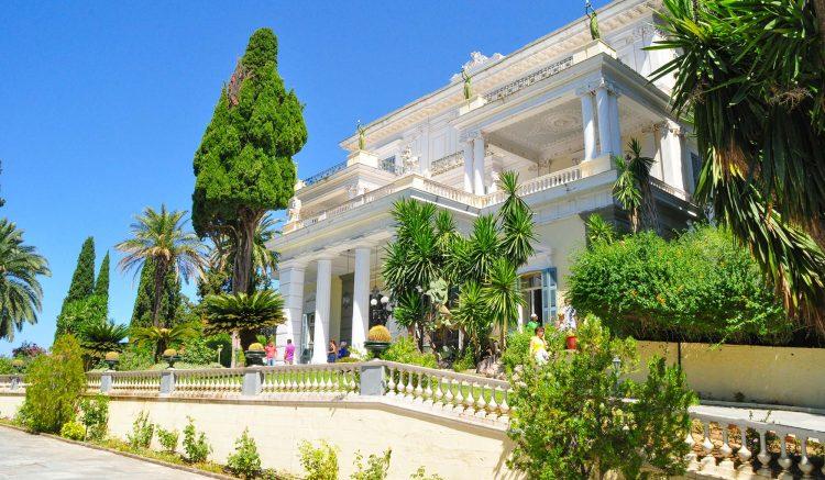 Het Achillion paleis in Gastouri